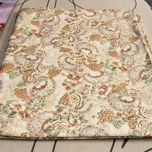 Vintage Paisley Lightweight Cotton Fabric 2.9y